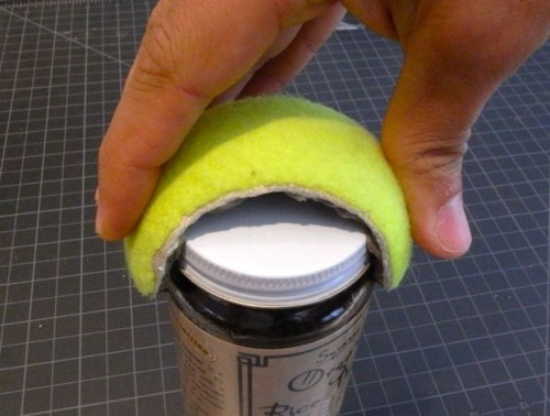 tennis-ball-jar-opener