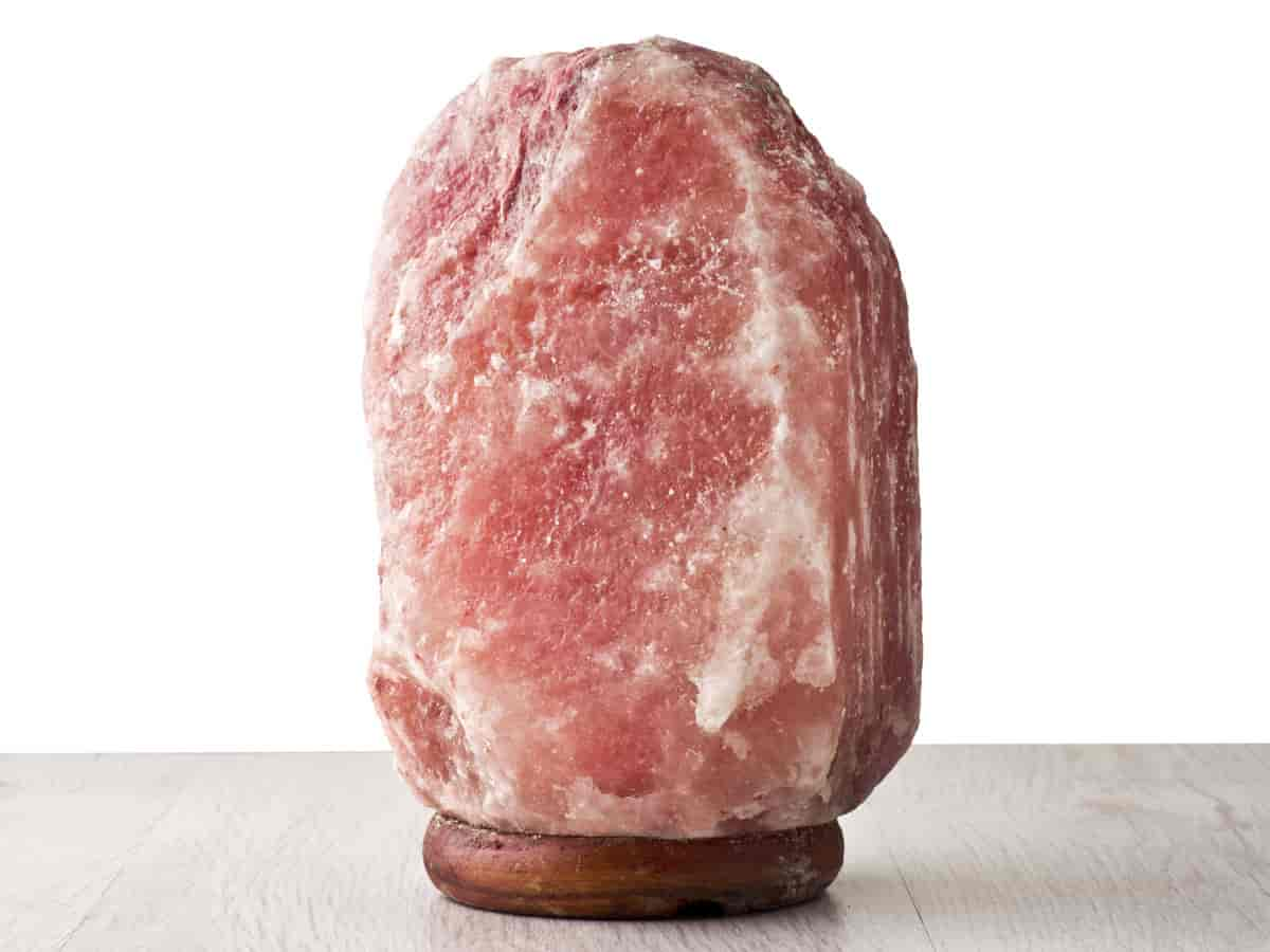10+ Things You Need To Know About Himalayan Salt Lamp - Oh Simply!